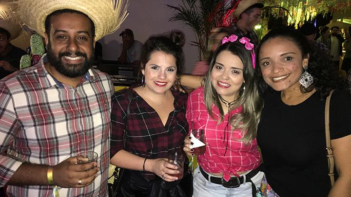 Turma da Kindle: Caio Melo, Camila Davila, Natalia Rodrigues e Debora Rosa