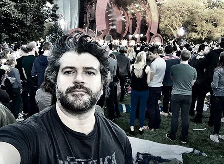 Alvinho no show do Mettalica em Buenos Aires: fã de vestir a camisa.