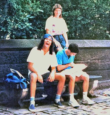 Álbum Irreverente de Família: Alvinho com seus pais no Central Park, em Nova York