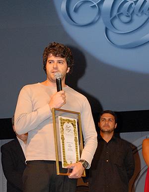 No Prêmio Colunistas 2008, recebendo o diploma de Publicitário do Ano.
