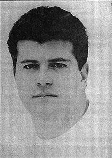 """Em 4 de setembro de 1998, a Janela publicava: """"Outra novidade no mercado é que o criador Álvaro Rodrigues está deixando a Giovanni, FCB para ser o novo redator da V&S, a partir do dia 14, não resistindo a um convite """"irrecusável"""" de Paulo Castro, diretor de criação de lá, que está formando nova equipe."""
